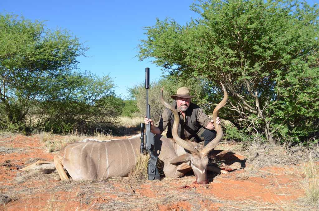 jonny-petersson-med-kudu